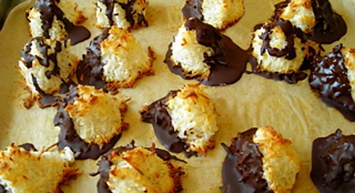 Chocolate_Dipped_Eggless_Macaroons