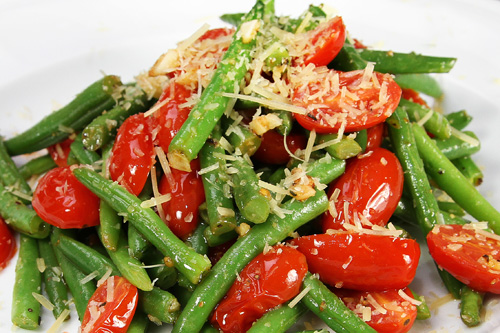 Coconut Sautéed Green Beans with Tomatoes