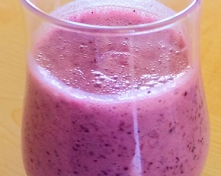 Fresh_Coconut_Milk_and_Blueberry_Smoothie